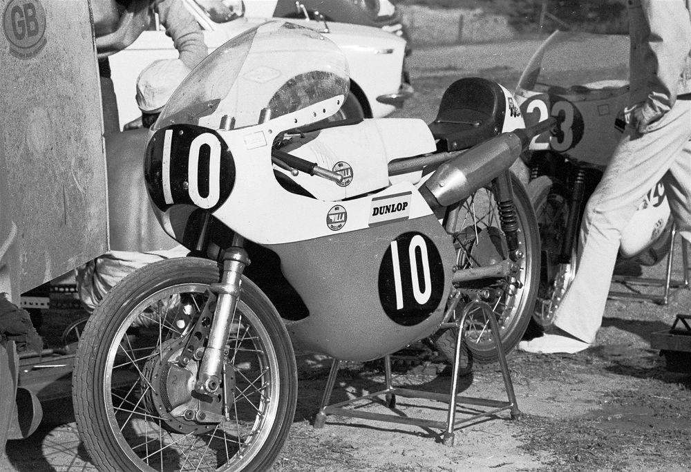 [Oldies] 125cc de vitesse : Toute leur histoire !   - Page 2 Chas_villa69